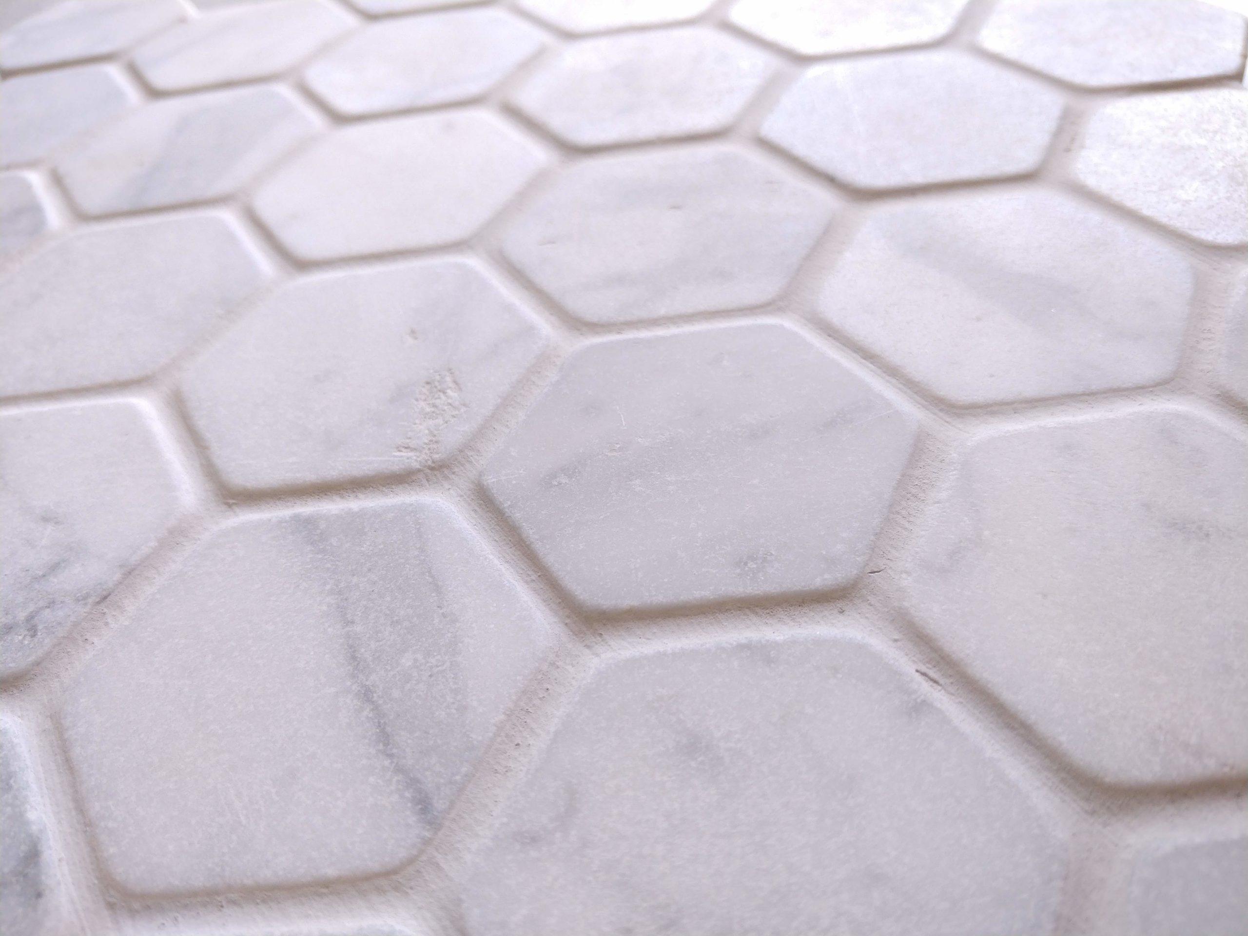 Tumbled Carrara Hex